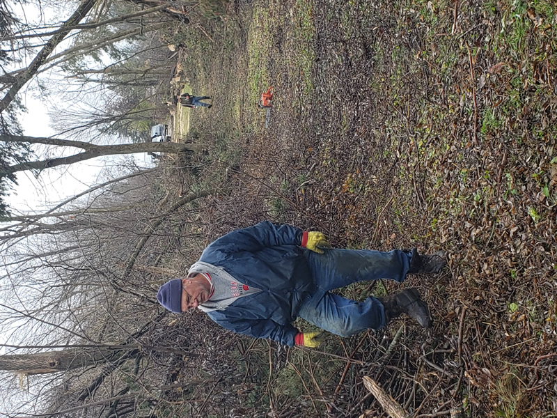 /pictures/Trail Clean Up 2018/20181104_094656.jpg